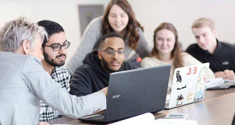 Discover Financial Aid Options